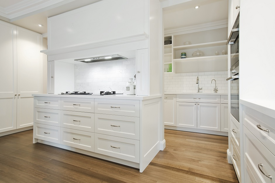 Hampton Style Collaroy Kitchen With Butler S Pantry